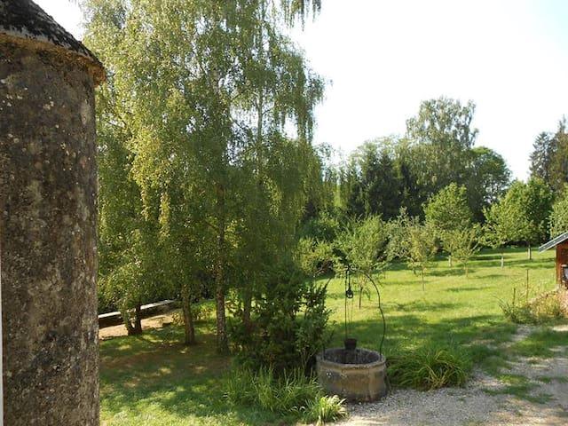 Gite n°3 du chateau de Feschaux - Villeneuve-Sous-Pymont