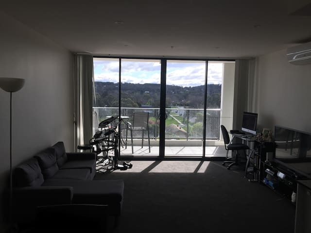 Central modern Canberra apartment with gym & pool - Lyneham - Pis