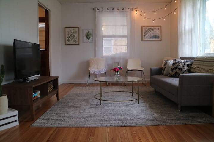 3 bedrooms - near Downtown, BNA & Opry - Sleeps 6 - Nashville - Ev