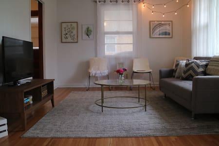 3 bedrooms - near Downtown, BNA & Opry - Sleeps 6 - Nashville - Ev