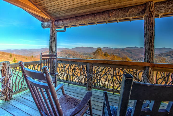 Top of the World; and views to prove it!  Spectacular mountain cabin. - Tuckasegee - Apartment