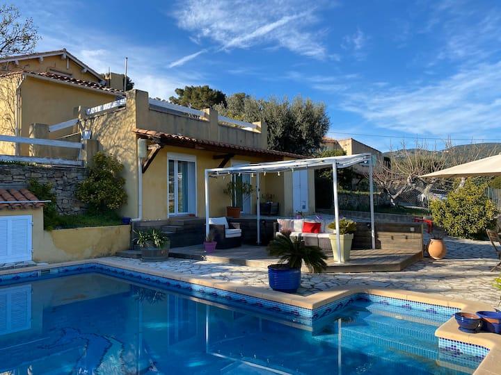 Bas de villa avec accès piscine