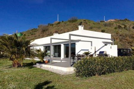 Modern Scandinavian villa - Moclinejo - Hus
