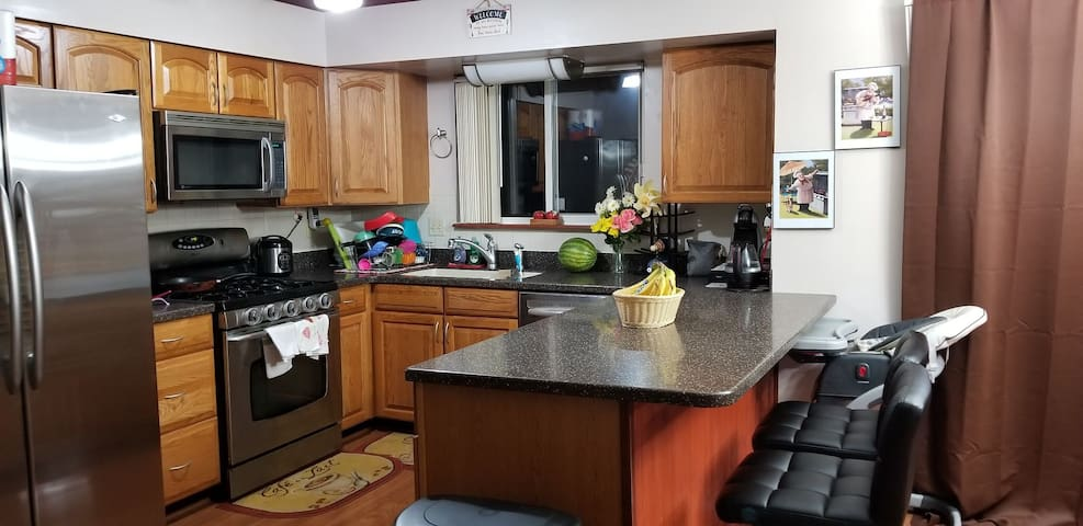 Fully equipped shared kitchen