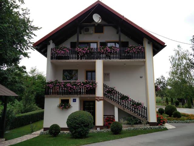 House Pavlic Plitvice Lakes -one bedroom apartment