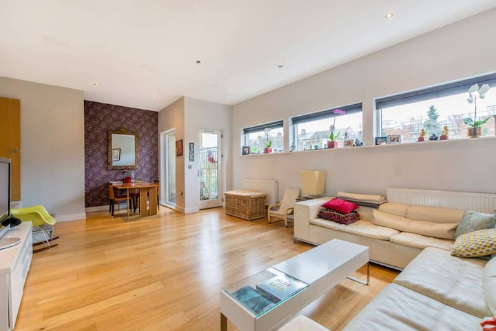 Unique & spacious 2 bed flat in trendy Kensal Rise - London - Lägenhet