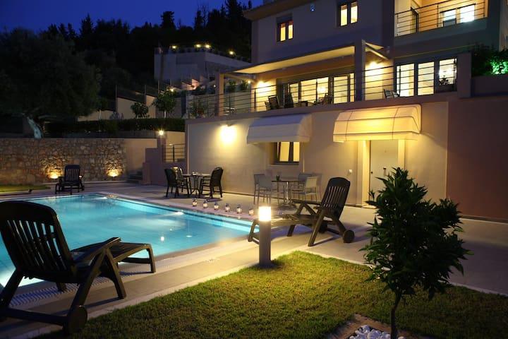 Villa Amphitrite full of luxury 5 bedrooms-13per. - Lefkada - Villa