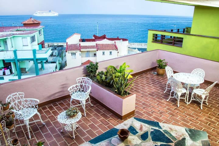 Havana´s Oceanfront View - La Habana - Bed & Breakfast