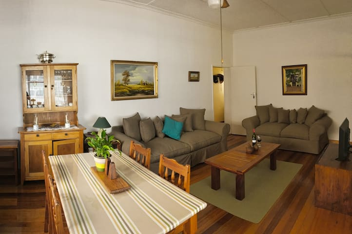 Apartment with Private Entrance and Secure Parking - Cape Town - Flat