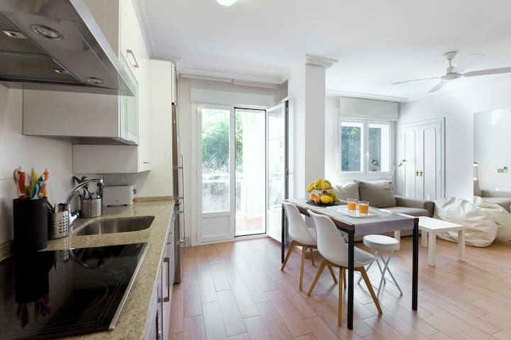 Cosy, Bright & Well Located Apartment, with WiFi - Donostia - Квартира