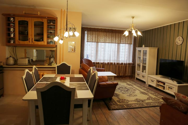 Хорошая 3-х комнатная квартира - Narva - Wohnung