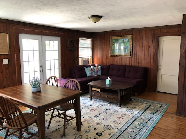 Lake Santa Fe Cottage #5a 2BR/1BA/Kitchen Sleeps 4