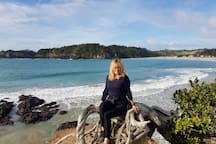 A must do. Walk the Matapouri/ Whale Track . Take in the breathtaking view of the Poor Knights Island or be an early bird an watch the sunrise from the lookout...