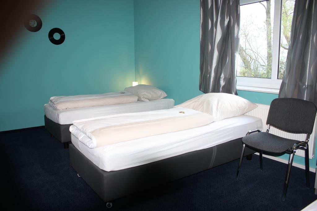 3 bett zimmer in reinbek h user zur miete in reinbek for Bett vor heizung