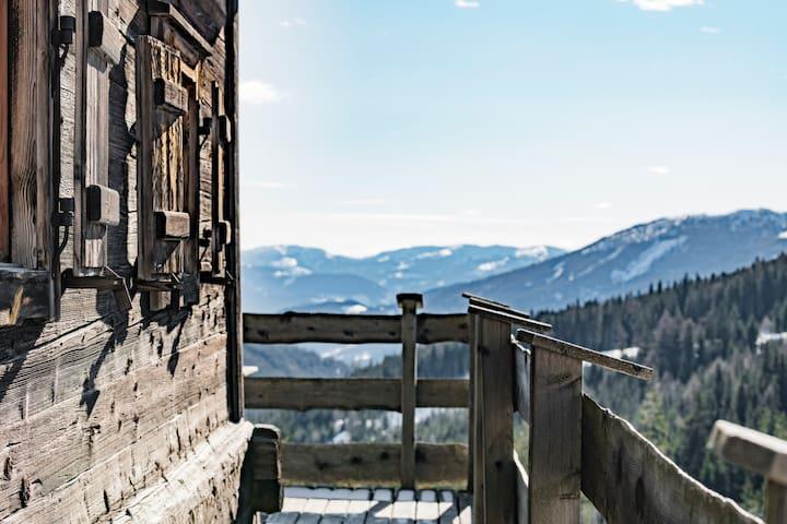 Wurzelhütte am Katschberg