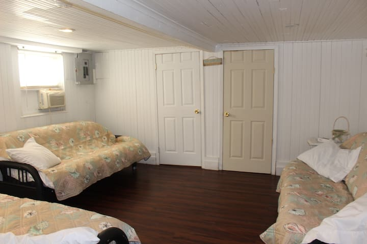 LOCATION across the beach/boardwalk - Seaside Heights - Appartement