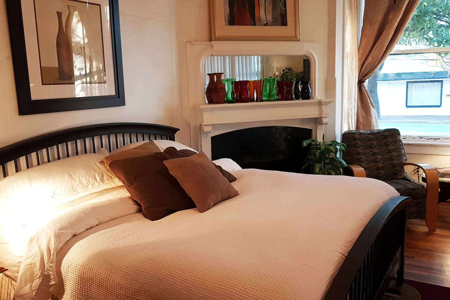 A beautiful, comfortable sleep in a large King Size bed!