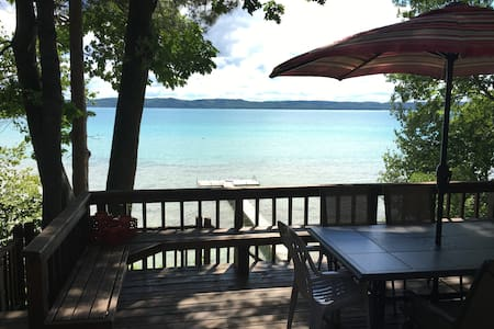 Glen Lake Cottage - Glen Arbor - Stuga