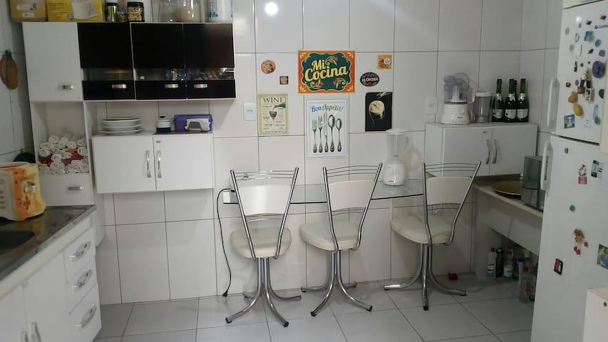 Q2 Quarto privativo próximo a Av. Paulista e metrô