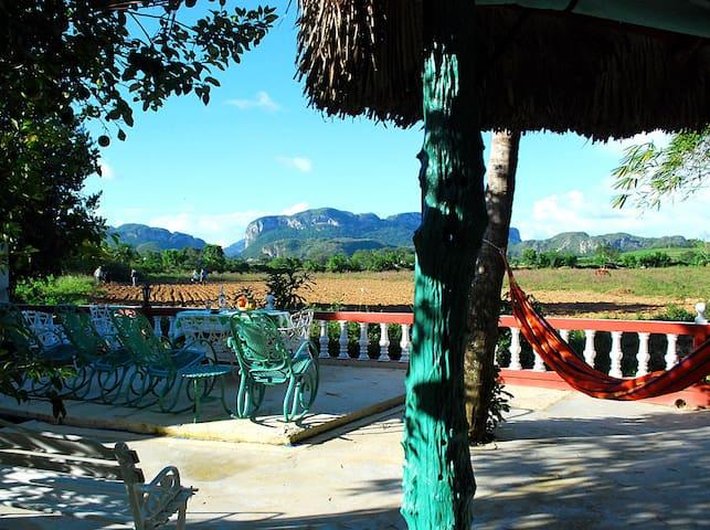 Casa Leibys y Papito el Zapatero (Habitacion #3)
