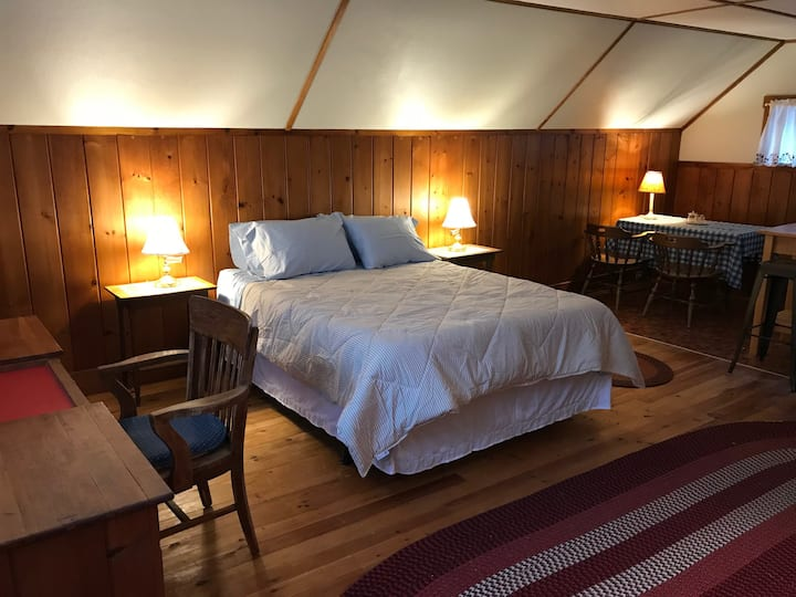 Cozy Carriage House in Downtown Damariscotta