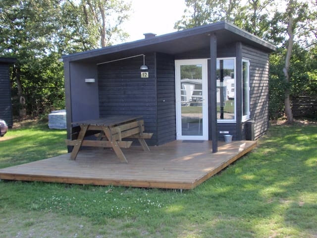 Lille hytte ved stranden - Nyborg - Cabaña