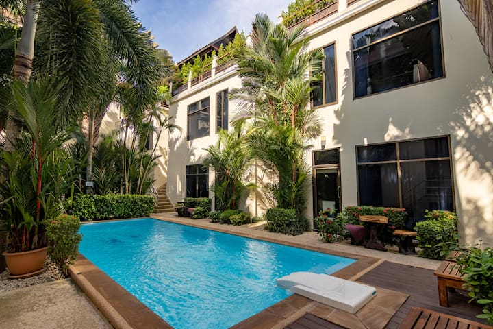 Palm Oasis 2BR with Terrace, Phuket
