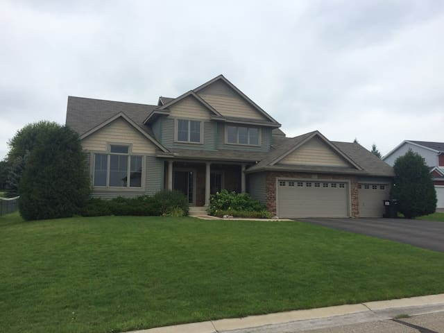 Five Bedroom Home for Rent During 2016 Ryder Cup - Chaska - House