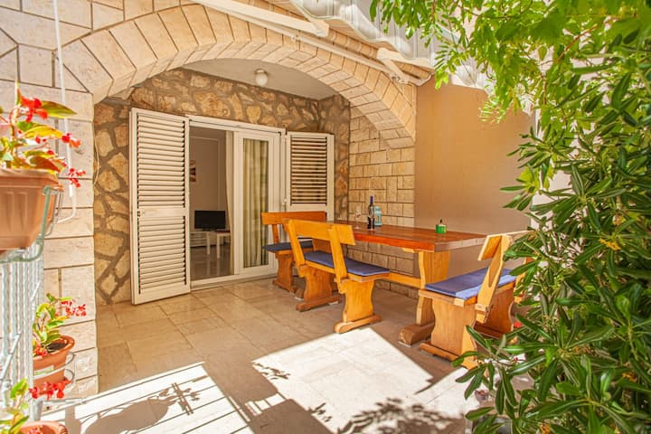 Apartments Mediterranean Summer- One bedroom apartment with terrace (2)