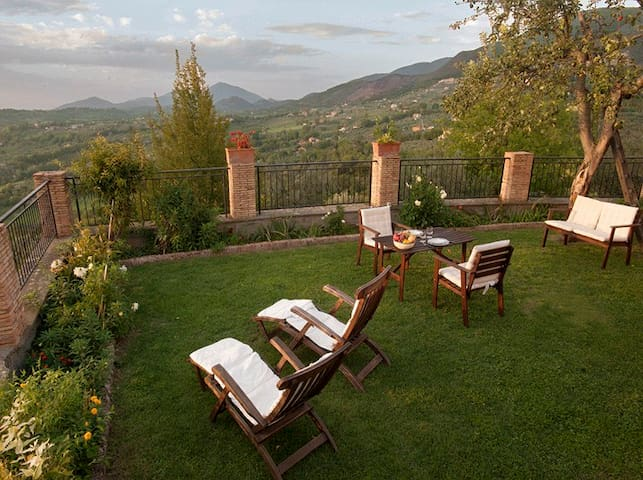 COTTAGE SABINA COUNTRY HOUSE - Poggio catino - Huis