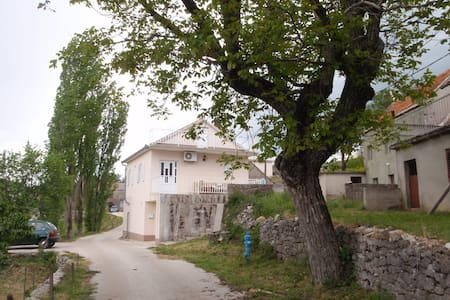VILLAGE HOUSE MIA - Imotski