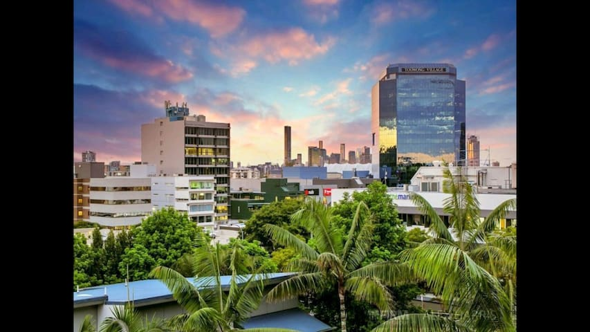 View Lagoon - Toowong - Appartement