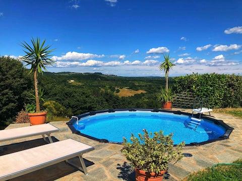 Krásny dom vo vile so záhradou a bazénom
