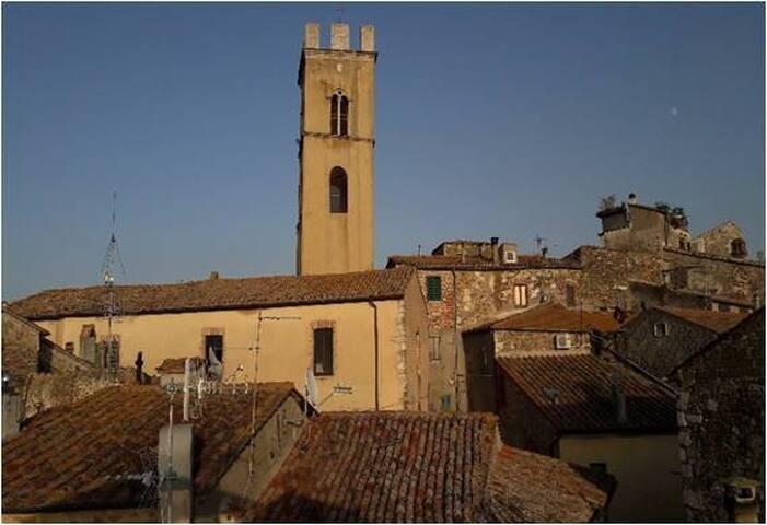 """bella vista""  townhouse in Montemerano"