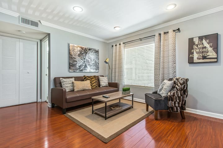 Magnificent Midtown Location By Piedmont Park
