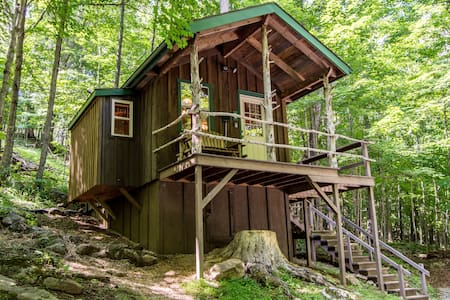 Charming Glamping Cabin! Explore the WV Mountains!
