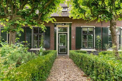 Charmigt restaurerat kvarnhus nära Utrecht