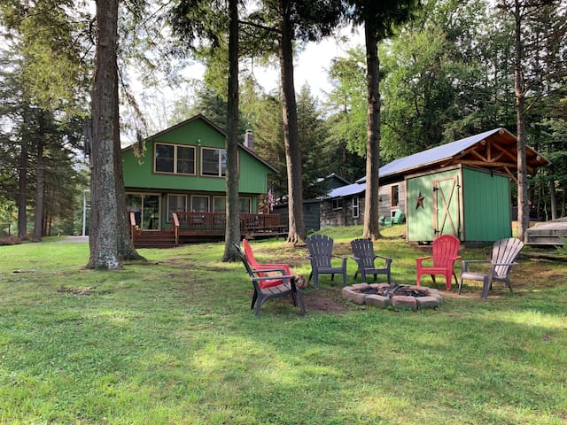 Old Forge Waterfront - Perfect for large families!
