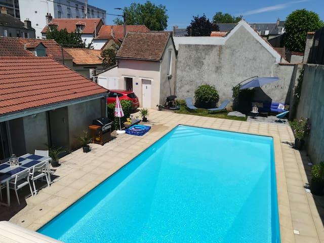 Maison entière proche centre-ville avec piscine