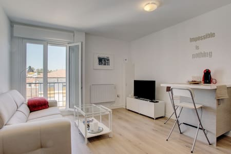 Central apartment with parking - A1