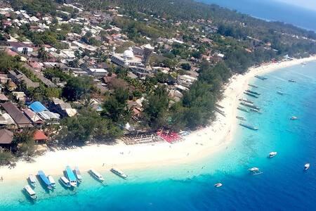 Horizontal Beach Villa's - Pemenang