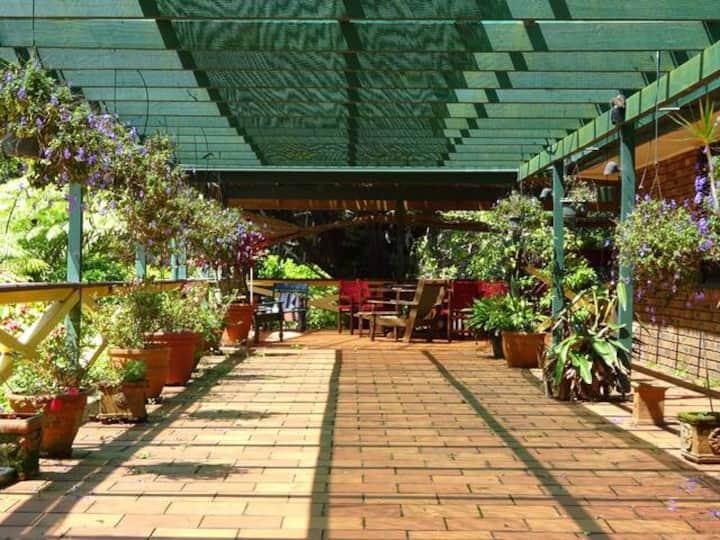 Quiet lush garden retreat