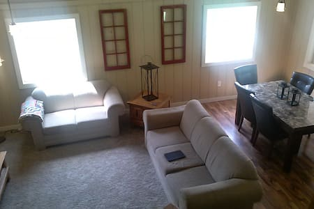 East Tawas Cabin, quiet, private beach. Perfect!