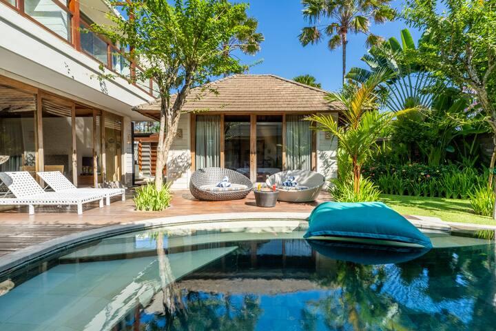 4 bedroom luxury pool villa near beach