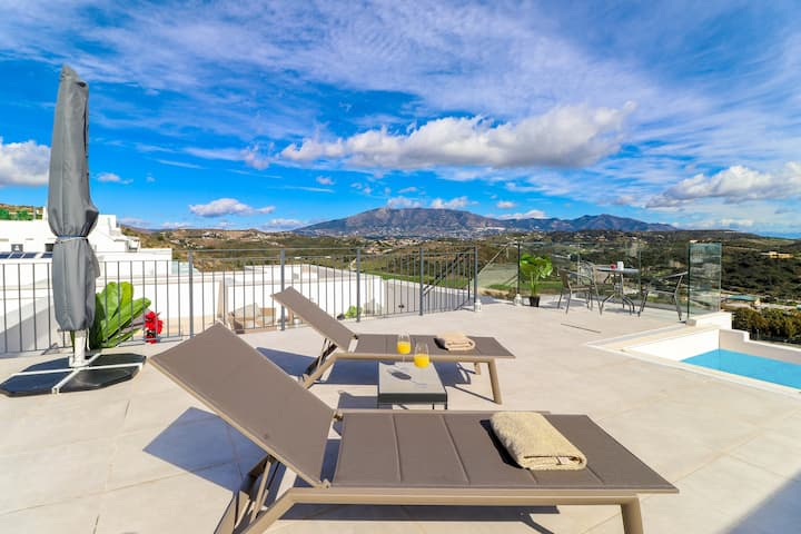 Luxury Penthouse with Private Pool in Casa Banderas La Cala by Rafleys