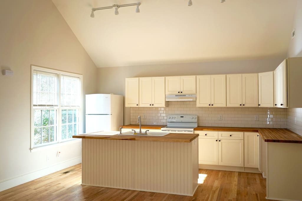 Great kitchen with lots of morning sunlight