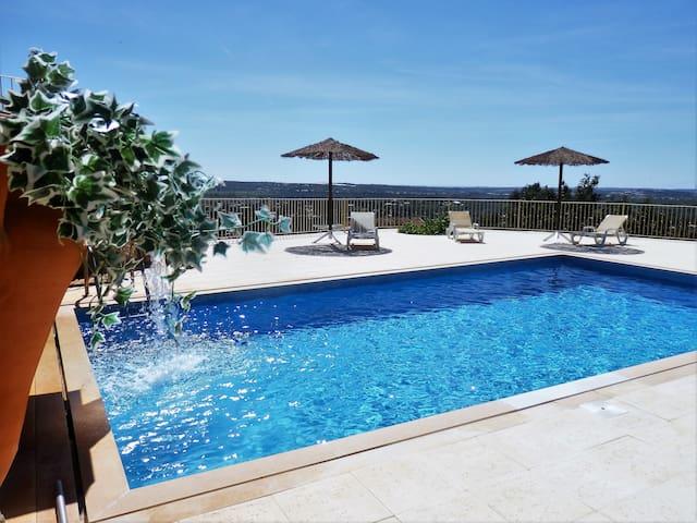 Quinta Sabaudia met zwembad