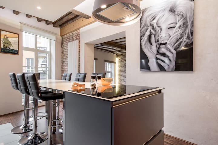 Superior Apartment (60 m2 near Grand Place)