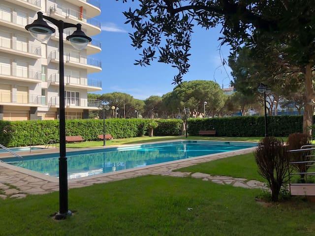 Apartamento junto al mar con piscina en Blanes
