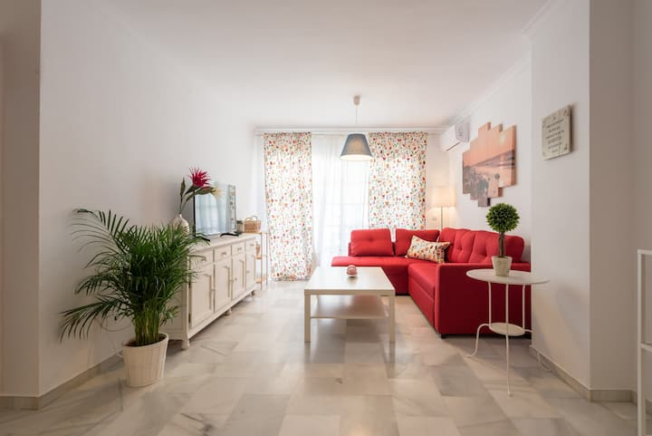 beautiful center, 3 bedrooms, private parking,pool